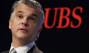 Rokiruotės Šveicarijos bankuose tęsiasi – naują CEO turės UBS