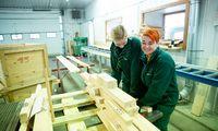 Vidutinės darbo pajamos pernai augo 9% iki 1.100 Eur