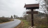 Vilniaus rajonas laimina planą toliau asfaltuoti su premjeru siejamą keliuką