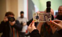 JK milijardus banknotų pavers kompostu