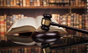 Vyresnio amžiaus darbuotojai su diskriminacija kovoja teismuose