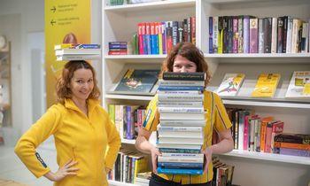 IKEA darbuotojai su pirkėjais dalijasi knygomis