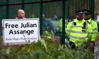 Londonoteismas pradeda svarstyti J. Assange'o ekstradicijos bylą