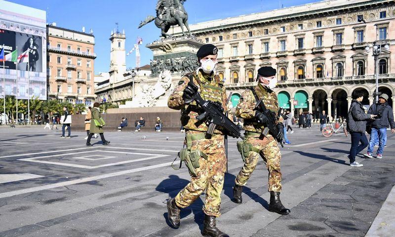 """Italijoje dėl paplitusio viruso imtasi papildomų saugumo priemonių. Claudio Furlano  (AP/ """"Scaxpix"""") nuotr."""