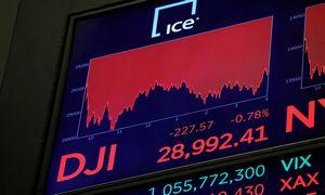 COVID-19 sukeltas išsipardavimas: ar reikia pasiduoti panikai rinkose
