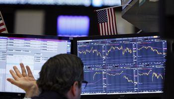 Koronavirusas ir investicinės galimybės: kurios akcijos gali įkaisti
