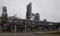 Baltarusija naftą kovą importuostrimis maršrutais