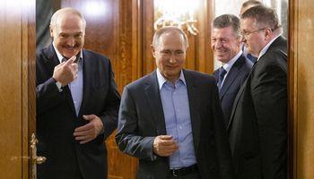 Rusijair Baltarusijasudarė sutartį dėl užterštos naftos žalos atlyginimo