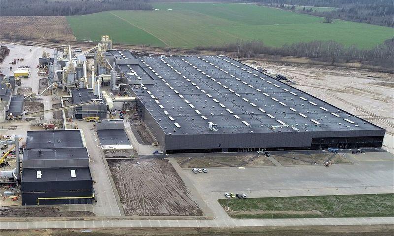 Taip atrodo naujoji gamykla Naujojoje Akmenėje iš paukščio skrydžio.