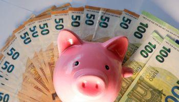 Daugiausiailietuvių antrai pensijai taupo grynaisiais bei investuodami į NT