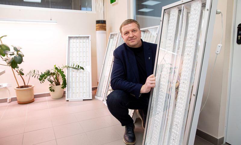 """Tomas Pukas, UAB """"Elektros taupymo sprendimai"""", valdančios prekės ženklą """"Ecolight"""" vadovas. Juditos Grigelytės (VŽ) nuotr."""