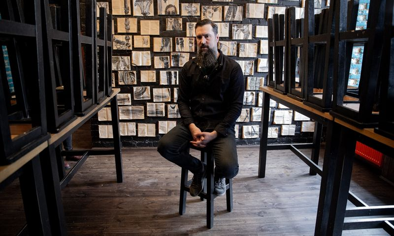 """Vidmantas Čičelis, UAB """"Bariukas"""", valdančios barą """"Local Pub"""", savininkas, direktorius: """"Dviejų barų, kai pajamų yra lygiai nulis, tikrai neišlaikyčiau net mėnesio.""""  Vladimiro Ivanovo (VŽ) nuotr."""