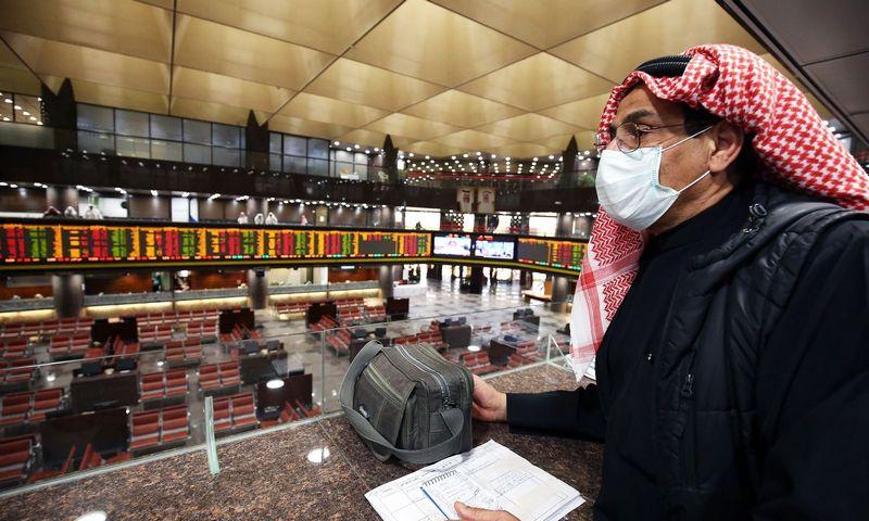 Naftos kainų kritimą labiau veikia paklausos mažėjimas nei kainų karas. Yassero Al-Zayato/AFP nuotr.