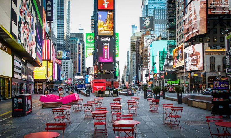 """Ištuštėjusi Niujorko Taimso aikštė. Vanessa Carvalho (ZUMAPRESS/""""Scanpix"""") nuotr."""
