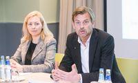 """""""Swedbank"""" turi nesuvestų sąskaitų su buvusiu vadovu M. Wolfu"""