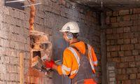Dėl į tėvynę grįžtančių ukrainiečių statybų bendrovės galvos nesuka