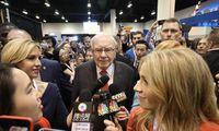 W. Buffetto turimos akcijos dėl griūties šiemet smukusios daugiau 30%