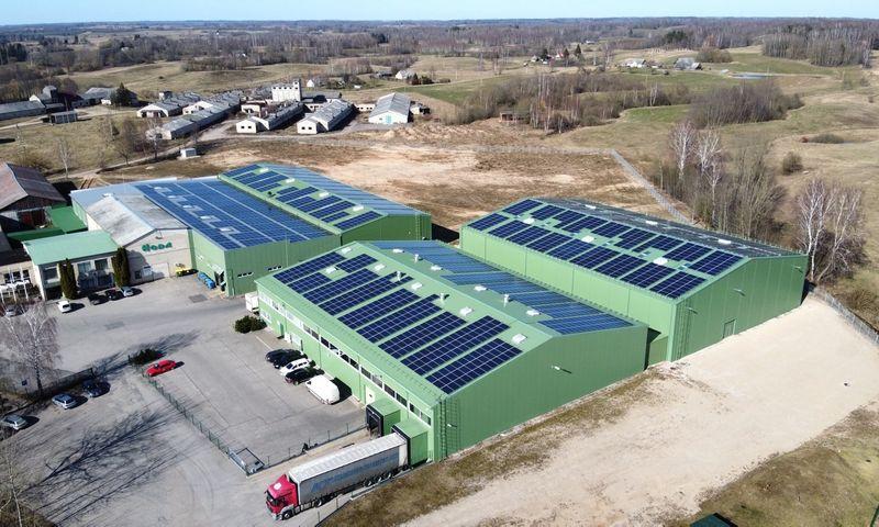 """Saulės jėgainė ant UAB """"Hoda"""" stogų"""