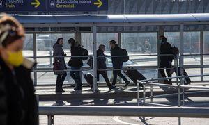 Vilniuje laukiama atvykstančių lietuvių iš Londono, Tenerifės, Frankfurto, Paryžiaus
