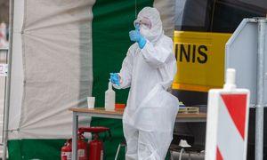Lietuvoje koronavirusas patvirtintas daugiau kaip 40 medikų