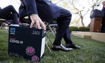 JAV patvirtintas dviejų minučių koronaviruso testas