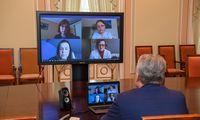 Prezidentas pasigenda aiškumo ir tvarkos testuojant medikus