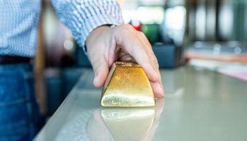 """""""Paysera"""" pradėjo tarpininkauti aukso prekyboje"""