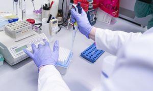 Prezidentas: į koronaviruso testavimą reikia įtraukti naujus laboratorijų pajėgumus