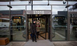 """Patvirtinus koronavirusą antram darbuotojui, uždaroma Kauno autobusų stotyje esanti """"Rimi"""""""