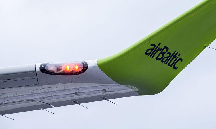"""""""airBaltic"""" atšaukia dar daugiau skrydžių"""