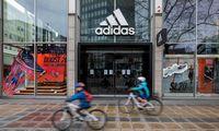 """""""Adidas"""" pretenduoja į 1 mlrd. Eur valstybės paramą"""