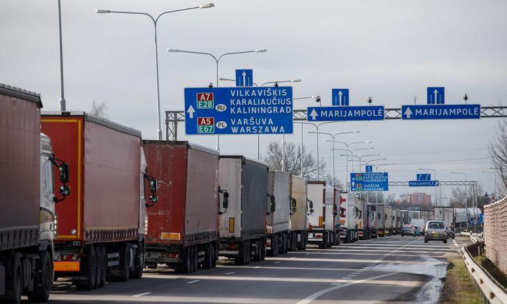 Lietuva nebeįsileidžia iš Rusijos ir Baltarusijos vykstančių lengvųjų automobilių