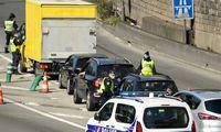 Prancūzijoje vyras mirtinai subadė du žmones, dar septynis sužeidė