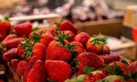 Maisto pardavimai – su rekordiniu pliusu, pramoninės prekės – žemyn