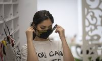 """Koronavirusas išmokys dėvėti """"Prada"""": Europai prognozuojamas pramonės renesansas"""