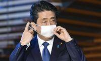 """Japonija įveda nepaprastąją padėtį, JAV laukia """"Perl Harboro"""" savaitės"""