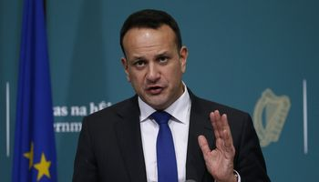Airijos premjeras kartą per savaitę dirbs mediku