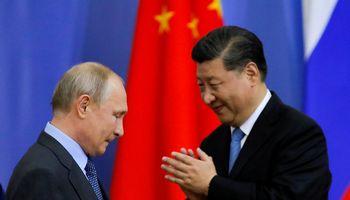 Rusija ir Kinija – įtartiniEuropos samariečiai