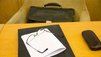 Verslas siūlo skubiai kiekvienam darbuotojui skirti po 700 Eur kompensaciją