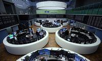Biržose investuotojai vis labiau žiūriį teigiamus ženklus