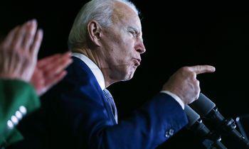 Joe Bidenas lieka vieninteliu demokratų kandidatu