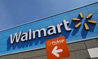 """Nuo COVID-19 mirusio """"Walmart"""" darbuotojo artimieji darbdavį padavė į teismą"""