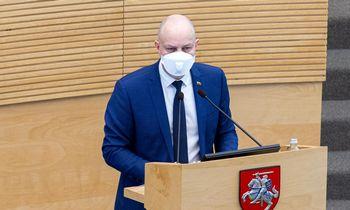 A. Veryga valstybės vadovams rekomenduoja kas savaitę tikrintis dėl COVID-19