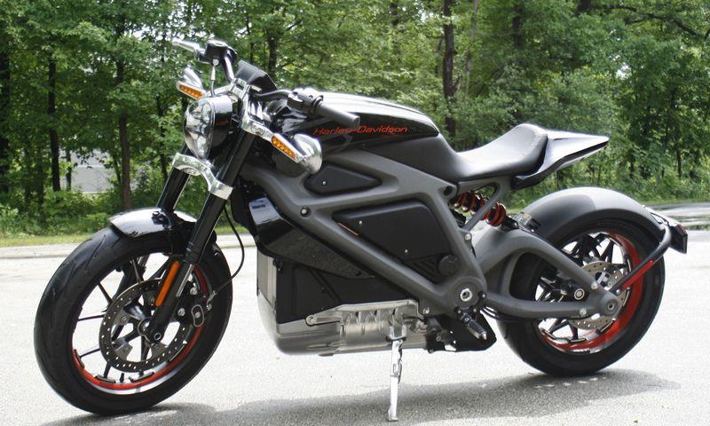 """Harley-Davidson LiveWire"" motociklas. M. L. Johnsono (AP / ""Scanpix"") nuotr."