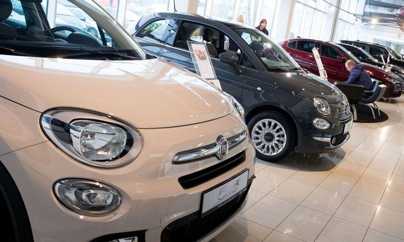 """Balandį Lietuvoje įregistruota per pusę tūkstančio naujų """"Fiat"""" automobilių, tačiau prekybininkai nekomentuoja, kas juos nupirko. Juditos Grigelytės (VŽ) nuotr."""