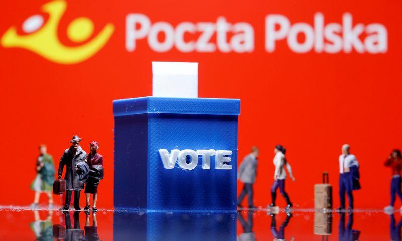 """Lenkijos prezidento rinkimai dėl koronaviruso būtų vykę balsuojant paštu. Dado Ruvic (""""Reuters""""/""""Scanpix"""") nuotr."""