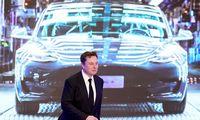 """Slaptosios """"Teslos"""" baterijos elektromobilius atpigins iki benzininių lygio"""