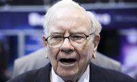 W. Buffettas išparduoda bankų akcijas
