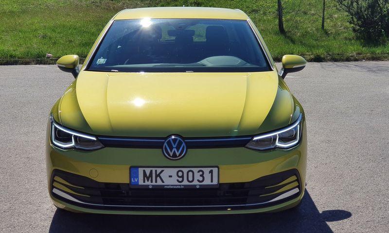 """Aštuntosios kartos """"VW Golf"""" turės sulaukti programinės įrangos atnaujinimo. Lino Butkaus (VŽ) nuotr."""