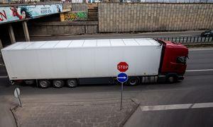 Į pamainas per Lenkiją vykstantiems vairuotojams – papildomi apribojimai